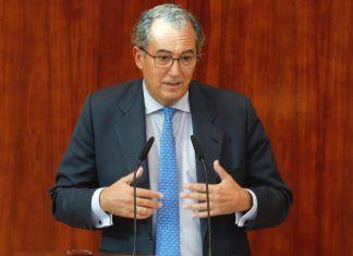 Consejero de Educación Enrique Ossorio (PP)