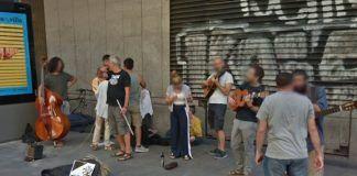 Músicos y vecinos