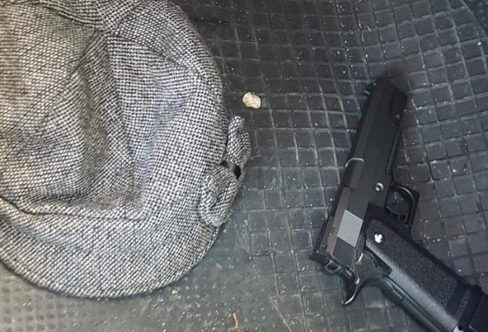 robar vehículo pistola Moratalaz