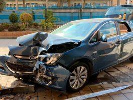 Dos mujeres heridas de gravedad tras chocar en coche contra un pórtico en Sanchinarro