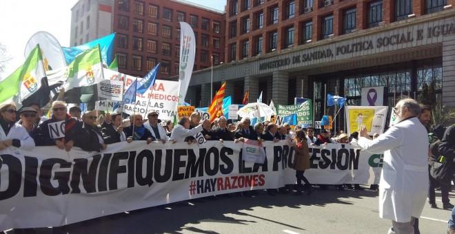Los médicos de Madrid convocan una huelga por la