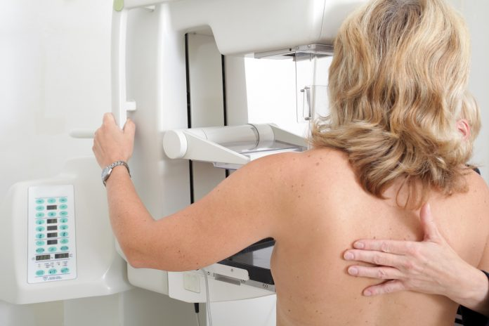 HLA Moncloa, de rosa para luchar contra el cáncer de mama