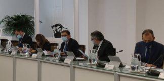 El Gobierno de Sánchez ignora las propuestas de Ayuso y declara el estado de alarma en Madrid