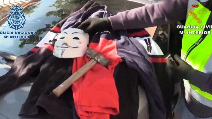 Detienen a los integrantes de una banda que robó varias tiendas del centro comercial de Vicálvaro