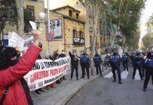Mercadillo de El Rastro vuelve entre críticas de los vendedores por la organización y el aforo