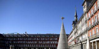 Madrid propone elevar a 10 el máximo de personas en reuniones de Navidad y retrasar el toque de queda desde la 1:30