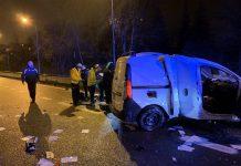 Un conductor resultó gravemente herido tras volcar su furgoneta en la M-30, a la altura de Fuencarral-El Pardo