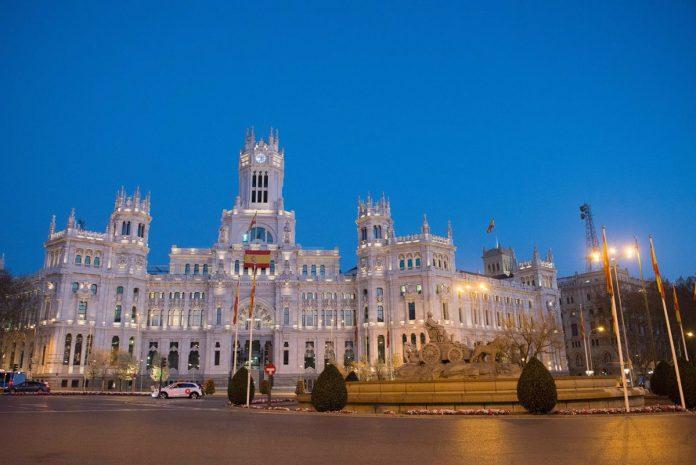 El 'sí' de Vox saca adelante el presupuesto del Ayuntamiento de Madrid de 5.066 millones de euros para 2021, un 8% más