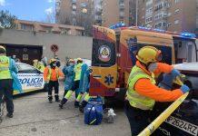 Un hombre resultó herido de gravedad tras tirarse de un cuarto piso durante un incendio en Moratalaz
