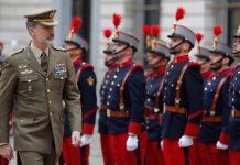 """Mandos retirados del Ejército alertan al Rey del """"Gobierno socialcomunista apoyado por filoetarras e independentistas"""""""